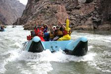 Купить онлайн тур 'Вертолетный тур и рафтинг в Гранд-Каньоне' - вертолетные экскурсии из Лас-Вегаса в Гранд-Каньон от туроператора по США! Colorado River White Water Rafting Helicopter Tour Book Online!