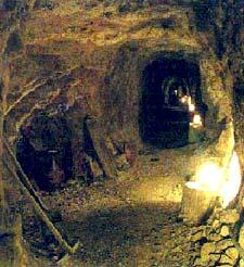 Techatticup Mine в Каньоне Эльдорадо - старейший и самый знаменитый золотой прииск южной Невады, США. Eldorado Canyon Tour. Автотуры на джипах из Лас-Вегаса от туроператора 'Cosmopolitan Travel'