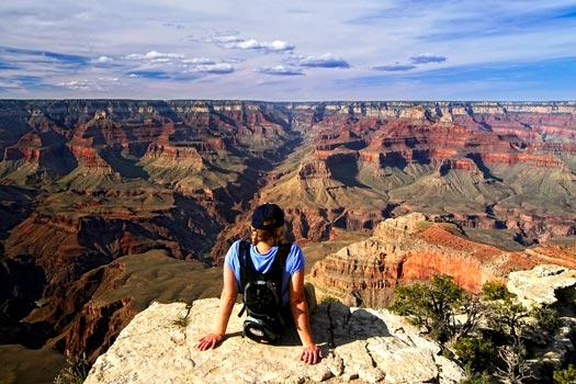 Гранд-Каньон - cамое большое ущелье мира и самый известный Национальный парк США. Космические пейзажи Гранд-Каньона притягивают миллионы туристов со всего света. (Туры из Лас-Вегаса в Гранд-Каньон от туроператора по США 'Cosmopolitan Travel')