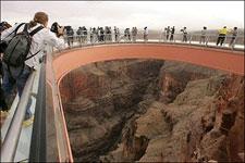 Тур 'Седьмое небо' из Лас-Вегаса в Гранд-Каньон с посещением стеклянного моста Grand Canyon SkyWalk от туроператора 'Космополитан Тревел')