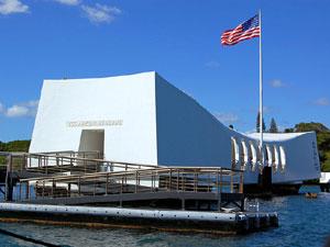 Мемориал 'Аризона' (USS Arizona Memorial), Гонолулу, Оаху, Гавайи, США