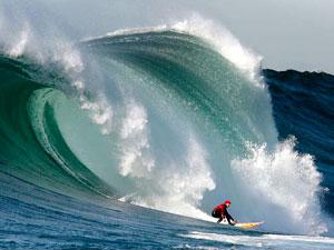 Маверик (Мaverick's) - один из знаменитых пляжей Калифорнии, где ежегодно проводятся международные соревнования по серфингу Maverick's Surf Contest